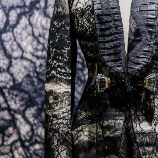 The Art of Lace: Haute couture van Chanel tot Iris van Herpen